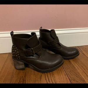 7 for all mankind ankle bootie